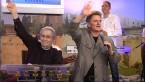 Пол и Мэтью Крауч приветствуют телезрителей из Израиля